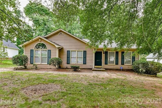 8717 Kishorn Court, Charlotte, NC 28215 (#3758047) :: Expert Real Estate Team