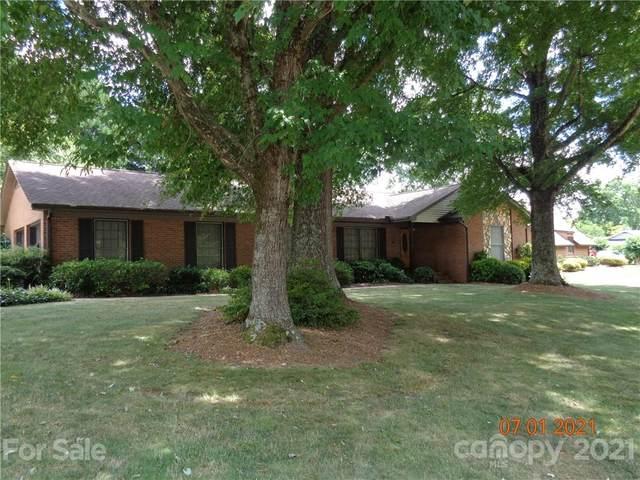 1076 Fairway Drive, Newton, NC 28658 (#3758056) :: MartinGroup Properties