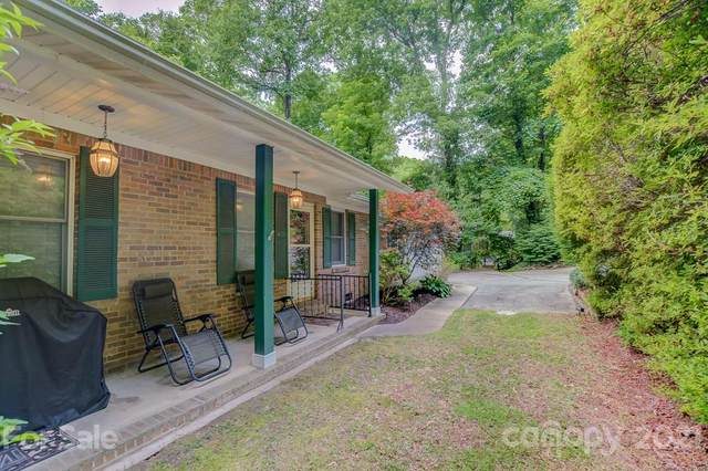 804 Greenwood Drive, Hendersonville, NC 28791 (#3758132) :: LePage Johnson Realty Group, LLC