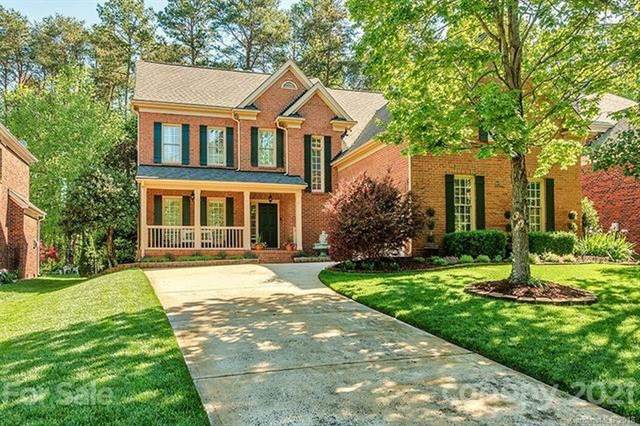 18604 Dembridge Drive, Davidson, NC 28036 (#3758324) :: Hansley Realty