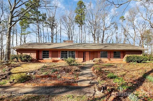 820 River Oaks Lane, Charlotte, NC 28226 (#3758870) :: LePage Johnson Realty Group, LLC