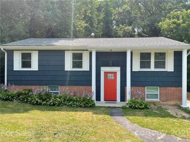 1226 Pinebrook Circle, Hendersonville, NC 28739 (#3758875) :: Home and Key Realty