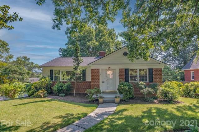 1250 Hyman Avenue, Hendersonville, NC 28792 (#3760228) :: Modern Mountain Real Estate