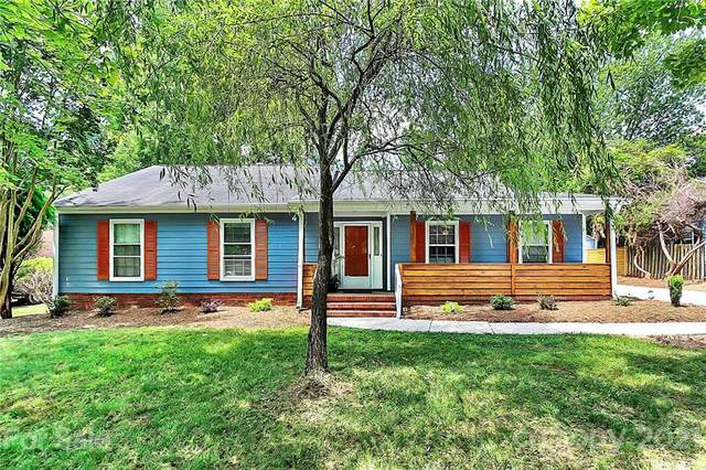 7515 Walnut Wood Drive, Charlotte, NC 28227 (#3760525) :: LePage Johnson Realty Group, LLC