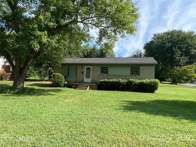1032 Clanton Road, Charlotte, NC 28217 (#3761134) :: Besecker & Maynard Group
