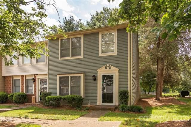 9400 Lexington Circle E, Charlotte, NC 28213 (#3761298) :: LePage Johnson Realty Group, LLC
