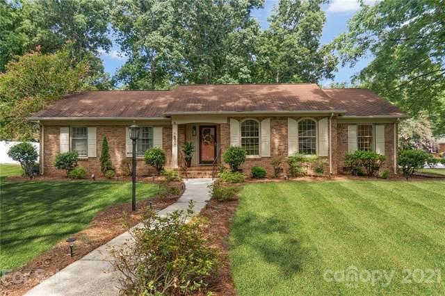 6900 Knightswood Drive, Charlotte, NC 28226 (#3762685) :: Mossy Oak Properties Land and Luxury