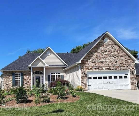 15 Meadow Walk Court, Fletcher, NC 28732 (#3762783) :: Hansley Realty