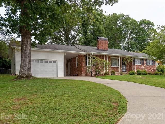 921 W Blue Ridge Road, East Flat Rock, NC 28726 (#3762800) :: LePage Johnson Realty Group, LLC