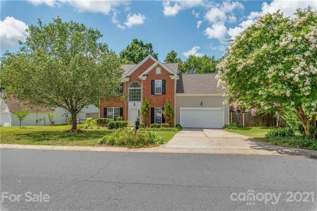 16226 Greybriar Forest Lane, Charlotte, NC 28278 (#3763246) :: LePage Johnson Realty Group, LLC