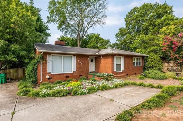 836 Woodlawn Road E, Charlotte, NC 28209 (#3763729) :: Besecker Homes Team