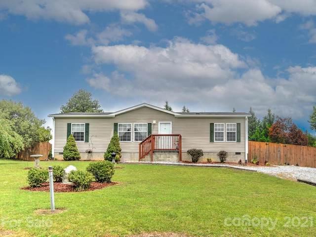 131 Cypress Estates Lane, Hendersonville, NC 28792 (#3764011) :: Home Finder Asheville