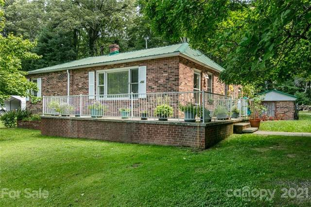262 E Blackwell Drive, Hendersonville, NC 28792 (#3765245) :: Stephen Cooley Real Estate Group