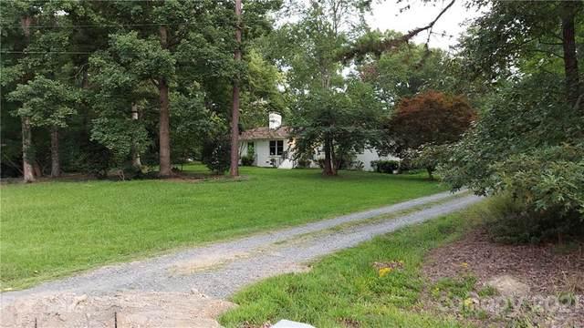 8204 New Town Road, Waxhaw, NC 28173 (#3765680) :: Puma & Associates Realty Inc.