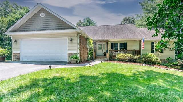 1014 Willow Ridge Drive, Hendersonville, NC 28739 (#3765815) :: Keller Williams South Park
