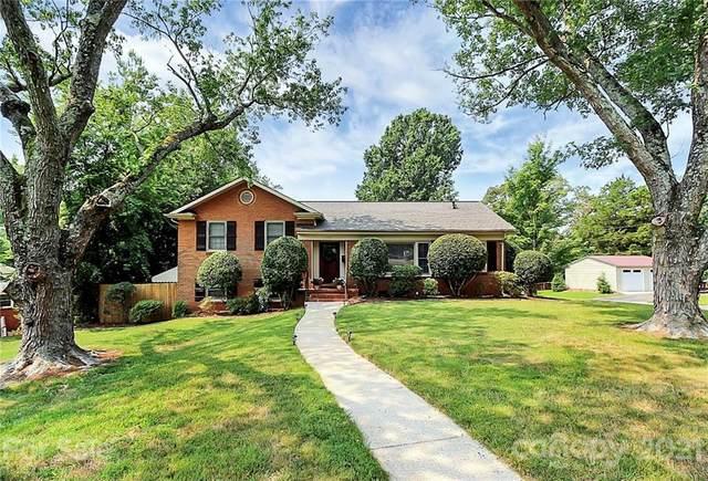 1900 Edgewater Drive, Charlotte, NC 28210 (#3765886) :: Hansley Realty