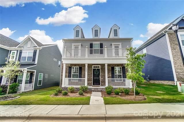 4027 Whittier Lane, Tega Cay, SC 29708 (#3766065) :: Burton Real Estate Group