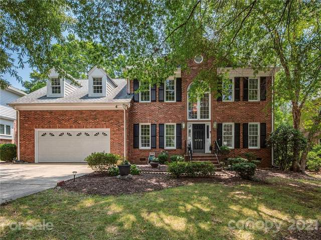 6725 Lyndonville Drive, Charlotte, NC 28277 (#3766369) :: BluAxis Realty
