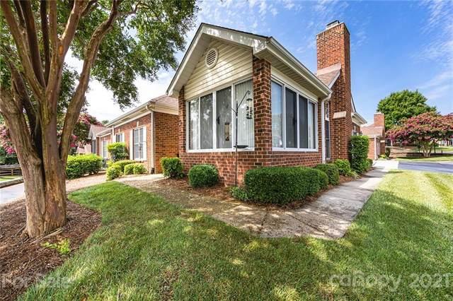 8437 Windsor Ridge Drive, Charlotte, NC 28277 (#3766385) :: Carver Pressley, REALTORS®