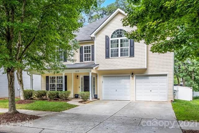 19137 Kanawha Drive, Cornelius, NC 28031 (#3766399) :: MartinGroup Properties