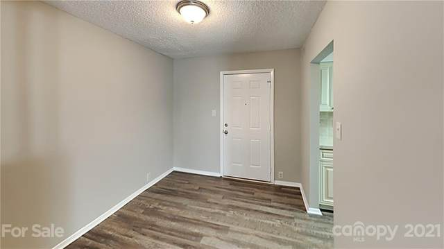 6923 Stonington Lane, Charlotte, NC 28227 (#3766658) :: MartinGroup Properties