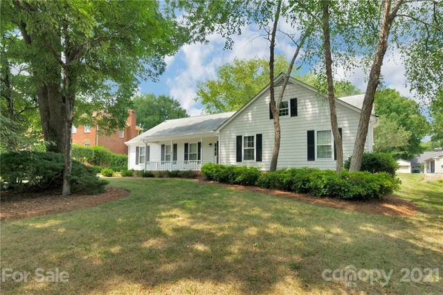 5640 Roundhouse Lane, Charlotte, NC 28226 (#3766853) :: Bigach2Follow with Keller Williams Realty