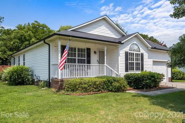 828 Saint Andrews Place, Concord, NC 28025 (#3767167) :: Love Real Estate NC/SC