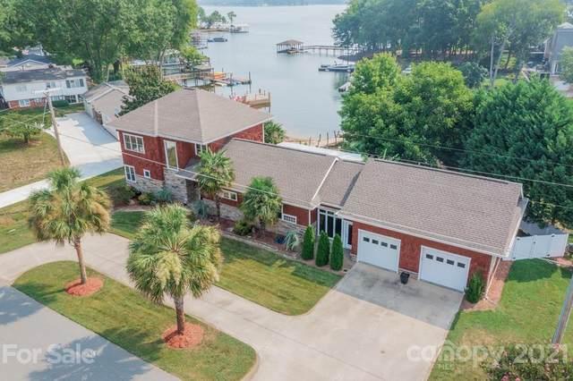 21304 Norman Shores Drive, Cornelius, NC 28031 (#3767256) :: Hansley Realty