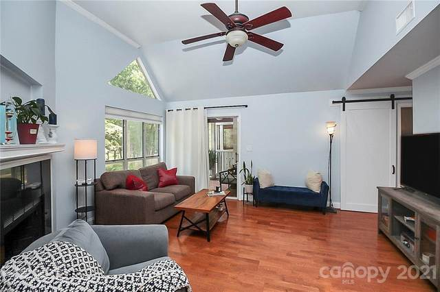 2502 Cranbrook Lane #8, Charlotte, NC 28207 (#3767348) :: Homes with Keeley | RE/MAX Executive