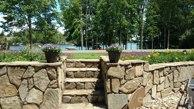 103 Ketch Court, Mooresville, NC 28117 (#3767441) :: MartinGroup Properties