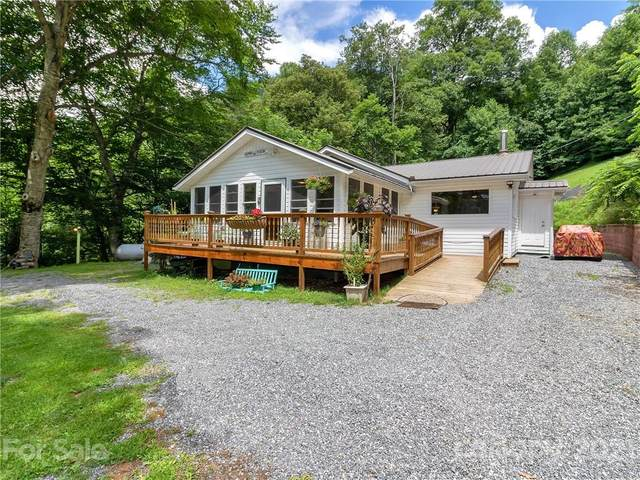 992 Grays Ridge Road, Tuckasegee, NC 28783 (#3767948) :: Home and Key Realty