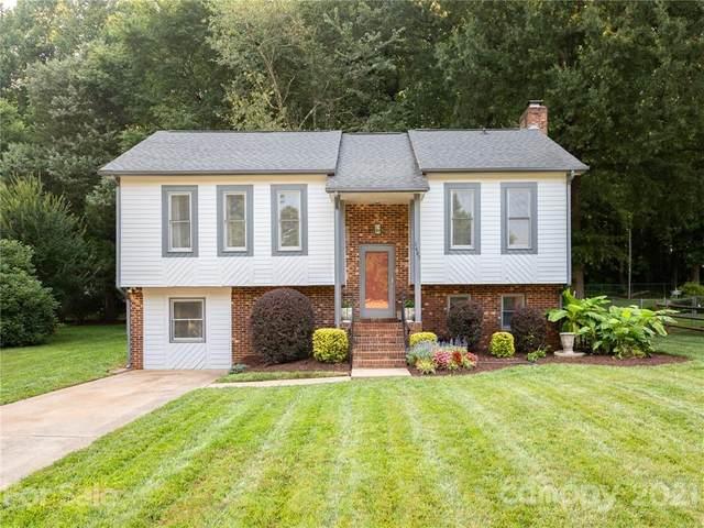 1607 Teddington Drive, Charlotte, NC 28214 (#3767958) :: Robert Greene Real Estate, Inc.