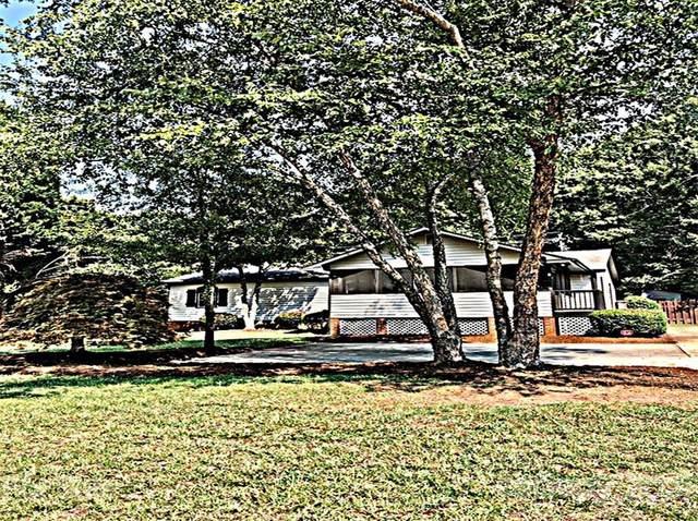 21326 Sandy Cove Road, Cornelius, NC 28031 (#3768161) :: Besecker Homes Team