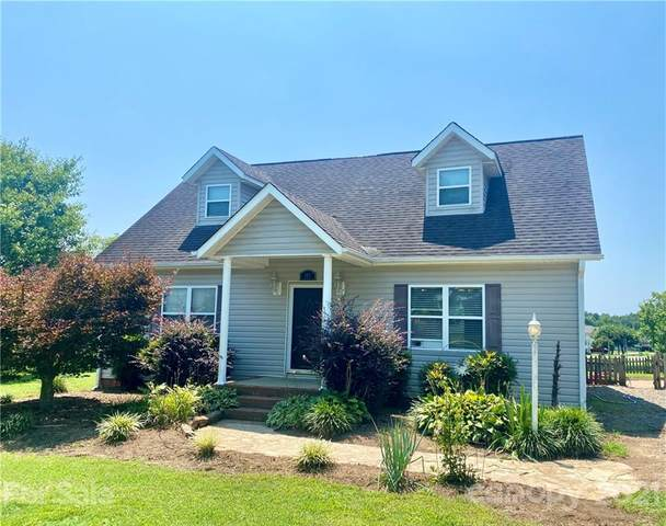 175 Old Airport Road, Statesville, NC 28677 (#3768180) :: Johnson Property Group - Keller Williams