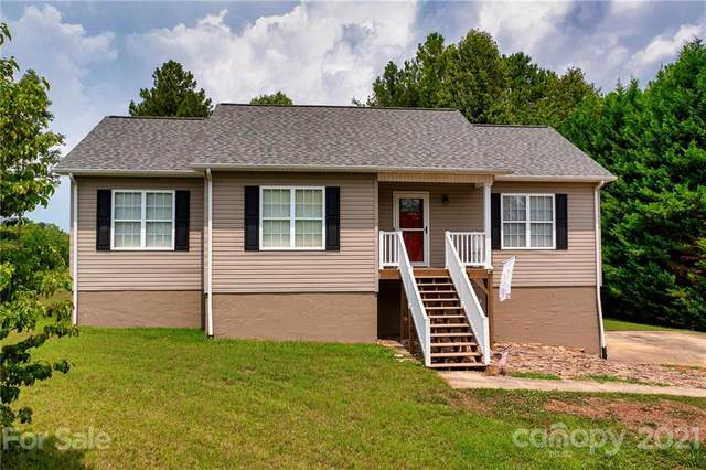 6414 Lake Breeze Court, Hickory, NC 28601 (#3768421) :: Home and Key Realty