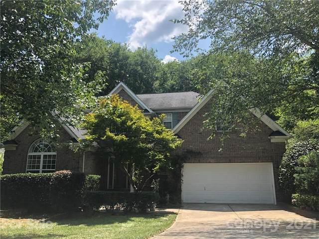 6904 Rea Croft Drive, Charlotte, NC 28226 (#3768866) :: Carmen Miller Group
