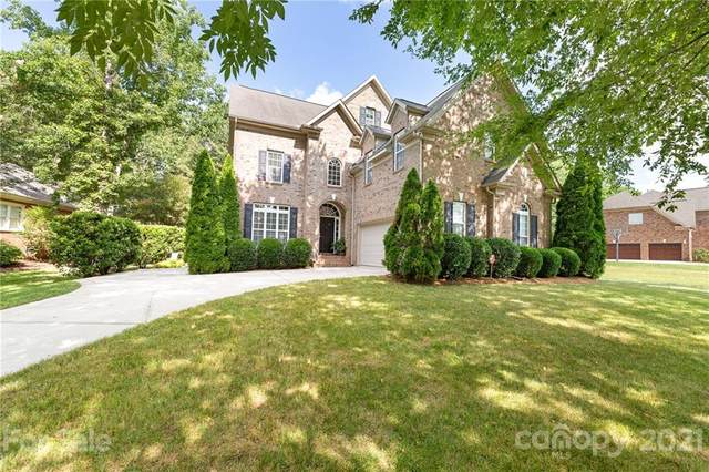 12722 Darby Chase Drive, Charlotte, NC 28277 (#3770136) :: Besecker Homes Team