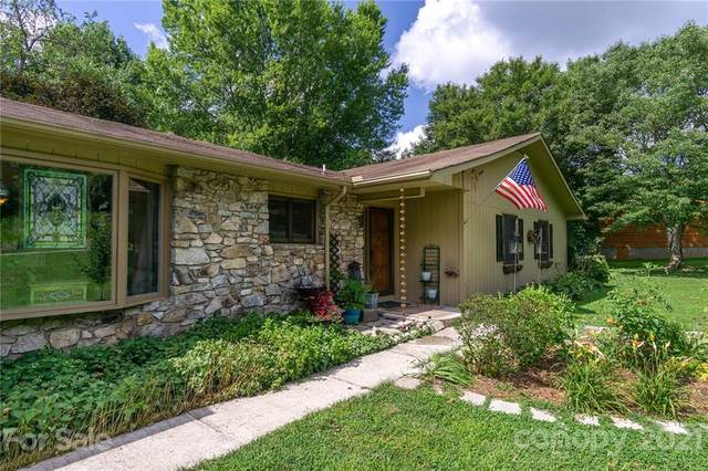 6 Briarwood Lane, Fletcher, NC 28732 (#3770652) :: Puma & Associates Realty Inc.
