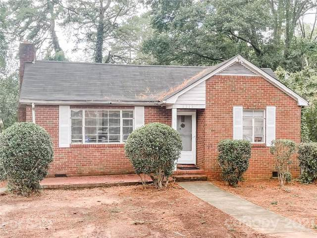 1715 Russell Avenue, Charlotte, NC 28216 (#3772417) :: Home and Key Realty