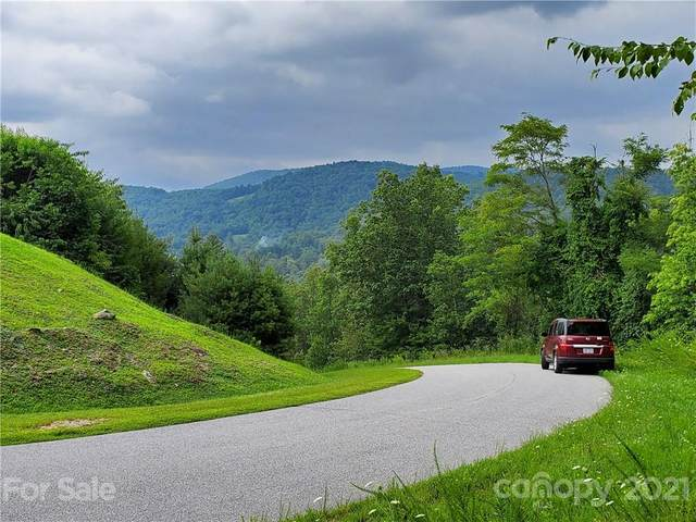 24 Crystal Heights Drive #24, Hendersonville, NC 28739 (#3772545) :: Modern Mountain Real Estate