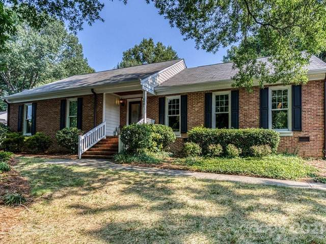 3901 Chevington Road, Charlotte, NC 28226 (#3772918) :: Exit Realty Elite Properties