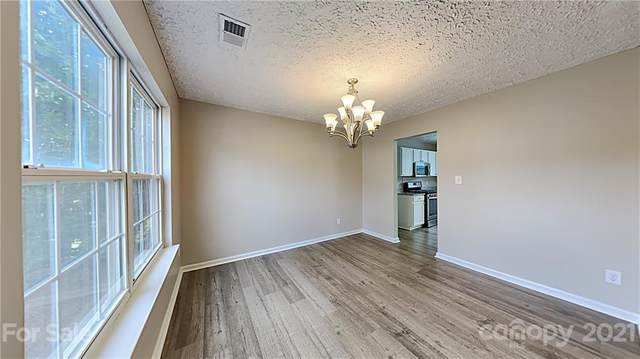 6116 Brookfield Pointe Drive, Charlotte, NC 28216 (#3772977) :: Caulder Realty and Land Co.