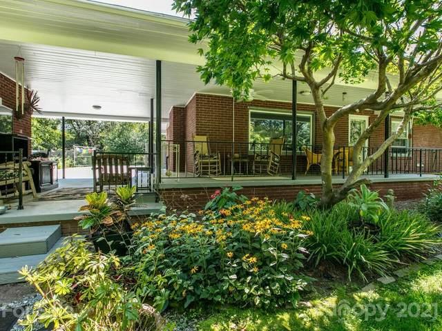109 Edgehill Road, Hendersonville, NC 28739 (#3773511) :: Besecker Homes Team
