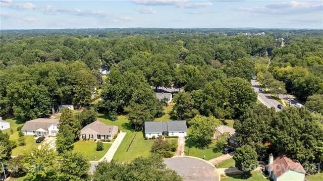 4625 Captain Jack Circle, Charlotte, NC 28215 (#3773878) :: Home and Key Realty