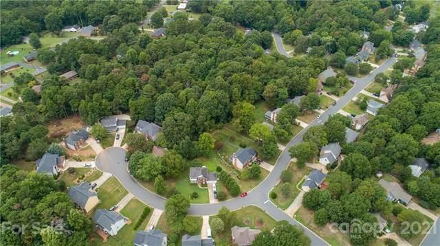 2699 Bathgate Lane, Matthews, NC 28105 (#3777547) :: Mossy Oak Properties Land and Luxury