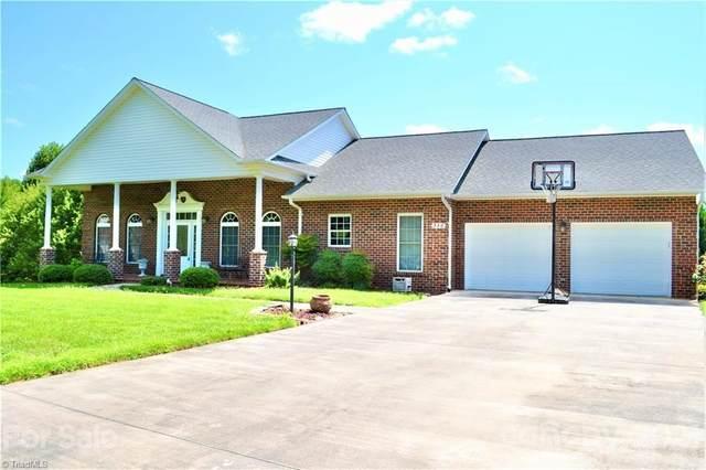 356 Hawkins Drive, Moravian Falls, NC 28654 (#3778238) :: Carver Pressley, REALTORS®