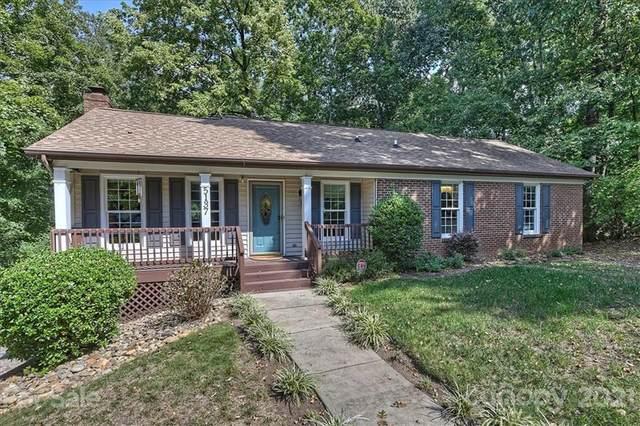 5137 Quail Canyon Drive, Charlotte, NC 28226 (#3778858) :: Cloninger Properties