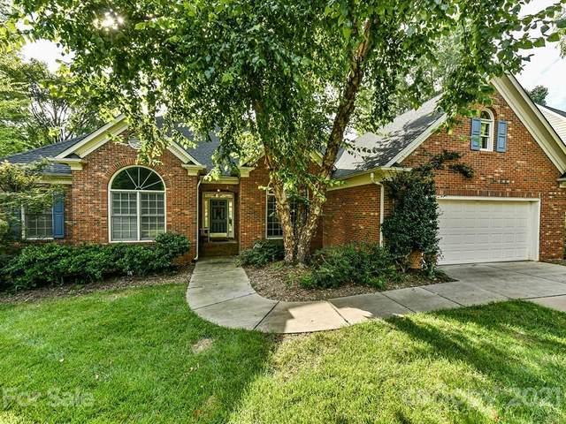 4907 Foxbriar Trail, Charlotte, NC 28269 (#3779071) :: Besecker Homes Team