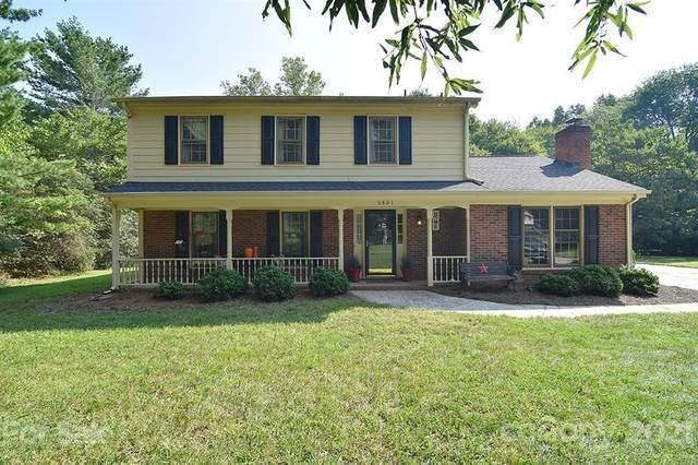 6801 Candlewyck Lane, Charlotte, NC 28226 (#3779265) :: Besecker & Maynard Group