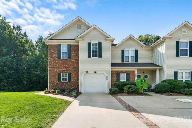 8917 Cinnabay Drive, Charlotte, NC 28216 (#3780772) :: Caulder Realty and Land Co.